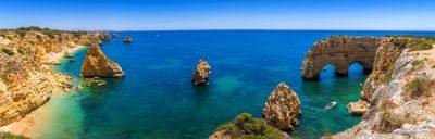 viaje-amigos-algarve-portugues