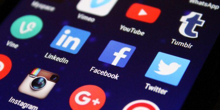 cómo funciona facebook parejas